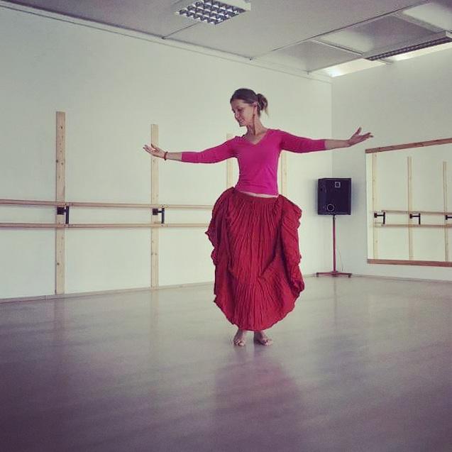 Nőiség tánca